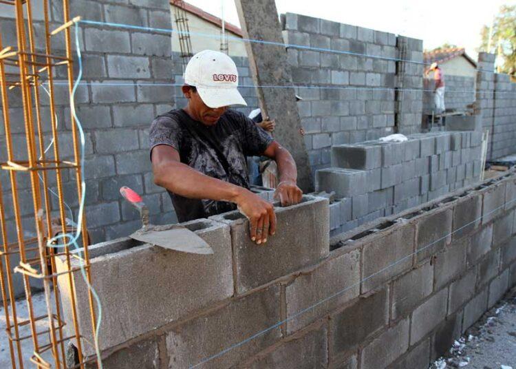 Infonavit inicia crédito ConstruYO para autoproducción